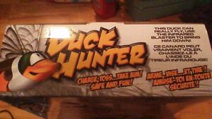 DUCK HUNTER INTERACTIVE TOY. THE DUCK CAN REALLY FLY !SOLD PPU!! Stratford Kitchener Area image 2