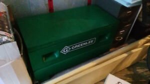 "GREENLEE 48"" Tool Storage Box / Coffre à outils  2142/31651"