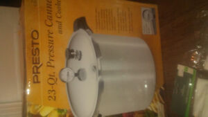 23 QT. Pressure Canner with Accessories