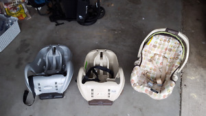 Stroller and bucket with two bases