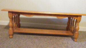 FOR SALE: VINTAGE SOLID MAPLE COFFEE TABLE