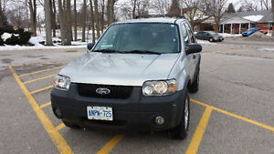 2005 Ford Escape XLT SUV, Crossover Kitchener / Waterloo Kitchener Area image 3