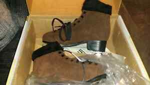 *SOLD Pending pick-up* Ladies skates size 7 never worn!! Cambridge Kitchener Area image 3