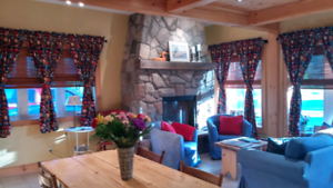 YOUR ROMANTIC GETAWAY IN MUSKOKA!  HOLLYHOCK COTTAGE