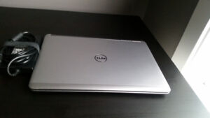 """Laptop for sale, Dell 14"""" HD Display, Excellent Condition !!"""