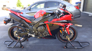 Almost new 2013 Yamaha YZF - R1 with 1,208km!!!