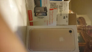 IPHONE 7 32G GOLD NEW IN BOX