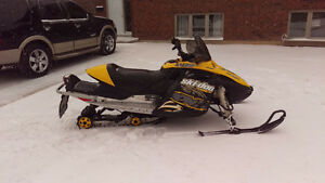 NEED TO SELL.  2007 SKIDOO MXZ 800,SKI DOO