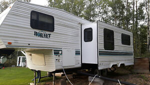 1997 M-255L Hornet 5th Wheel for sale