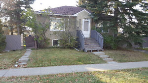 Room for rent close to UNIVERSITY OF ALBERTA and WHYTE AVE