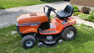 Husqvarna YTH180 Lawn Tractor