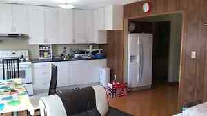 3 bedrooms unit available for rent