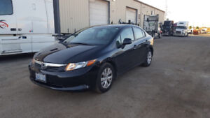 2012 Honda Civic clean and well maintained!!