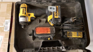 "Dewalt 1/4"" 20V Impact Driver with 2 Batteries, charger"