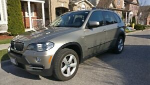 LOW KM, FULLY LOADED, BMW X5 3.0i X-DRIVE, NAVIGATION, CARPROOF