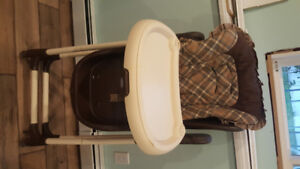 Brown graco highchair with harness and removable tray