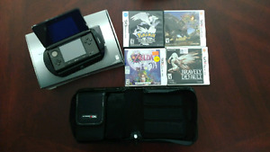 Nintendo 3DS w/ Extended Battery + 4 Games + Travel Case