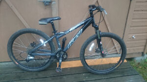 Used Haro V4 Mountain Bike