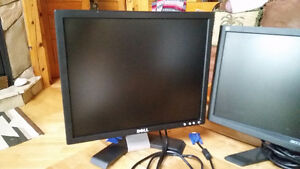 2 flat screen monitors,Dell,Samsung,all with cables $40,$60