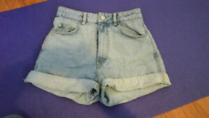 Jeans and Shorts from Zara, AE Dress Pants, and more (Size 6-8)