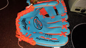 kids Rawlings glove