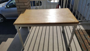 DINING TABLE FOR SALE in Brampton $20 416-919-4765