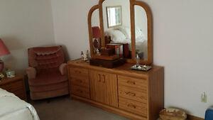 Bedroom set- $350 need gone..asap