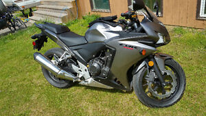 LIKE NEW 2015 CBR500R STREET TOURING