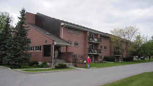 Large 2 bedroom apartment with balcony in Picton
