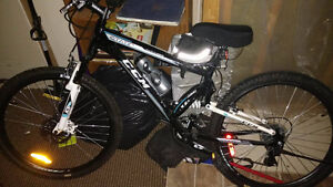 Adult Men's Mountain bike( lots of accessories included)