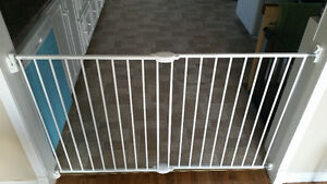 Extendable Baby Gate for sale St. John's Newfoundland image 2