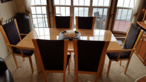 BEAUTIFUL DINING SET ONLY $250