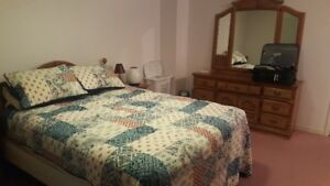 Daily or Weekly - BEDROOM RENTAL in WHITBY