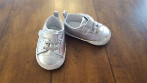 Girl Silver sneakers (Size 6-12mo)