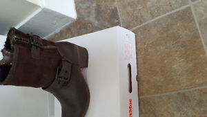 "SOFTMOC BOOTS ""NEW"" SIZE 9.5"