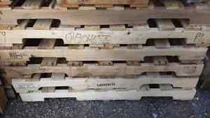 Palette de bois 40 x 48  Saint-Hyacinthe Québec image 1