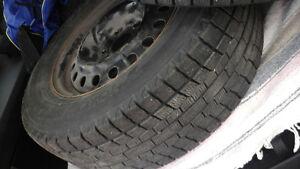 4 pneus sur jantes  225/65R16