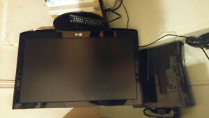 22 in LG TV/ monitor and Xbox 360 slim