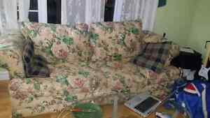 Floral couch set **will deliver if local**