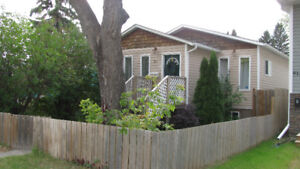 Cute and Comfortable 2 bedroom bungalow