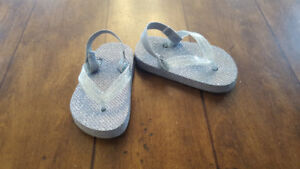 Girl Silver Sparkle sandals (likely Size 5)