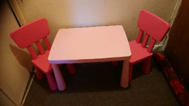 Kids table and X2 chairs