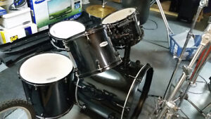 PEARL drum set complete with stands & symbals