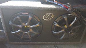 """KICKER Comp 600W Double 10"""" Subwoofer with KICKER  AMP"""