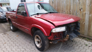 2002 s10 parts truck