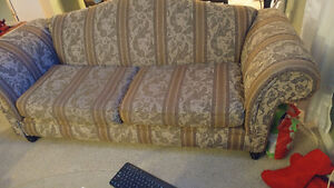 3 piece couch set for sale. Delivery!!