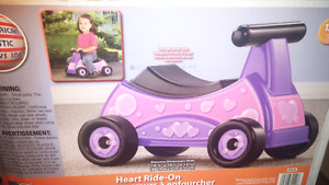NEUF- trotteur/voiturette pour fille - NEW ride-on toy for girls