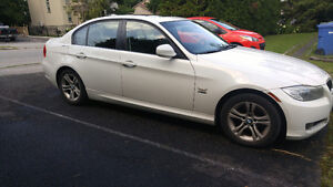 White BMW 2011 328i XDrive automatic