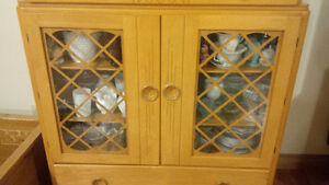 Solid Maple 1940 Hutch Display Cabinet Antique China Kitchener / Waterloo Kitchener Area image 3