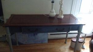 Table de lecture pouvant servir aussi de console. Style, antique